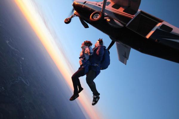 saut en parachute peronne