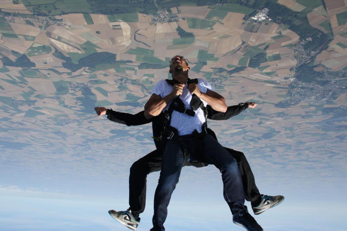 saut en parachute.jpg